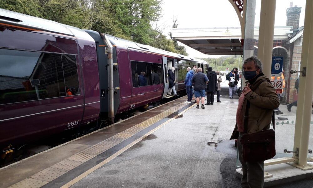 170 and passengers at Matlock