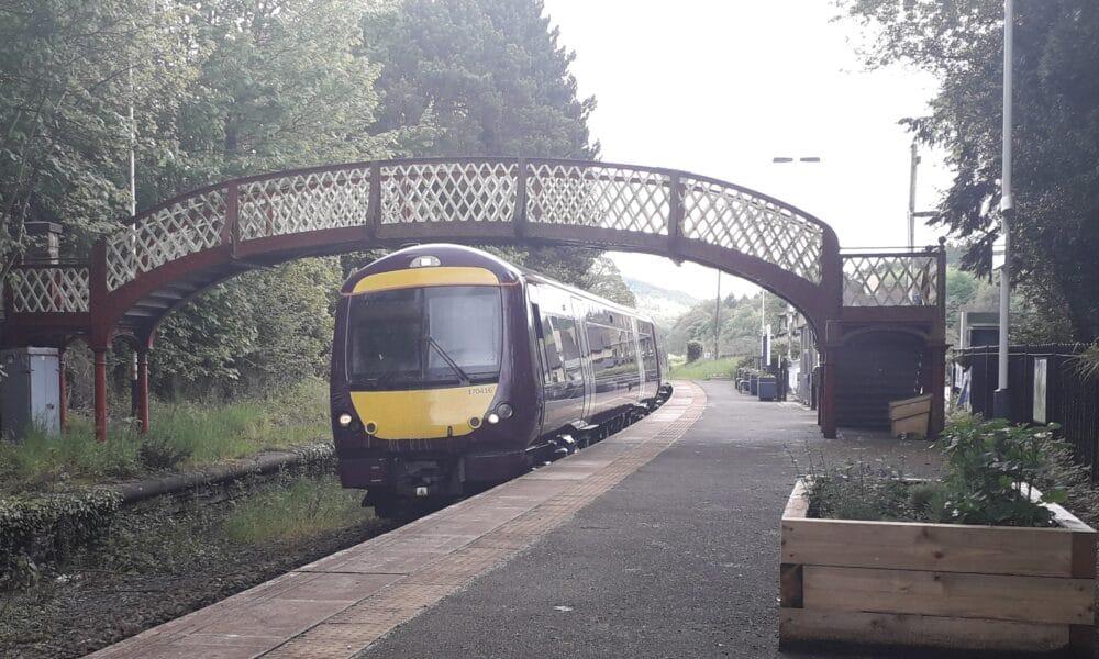 170 train under Whatstandwell bridge