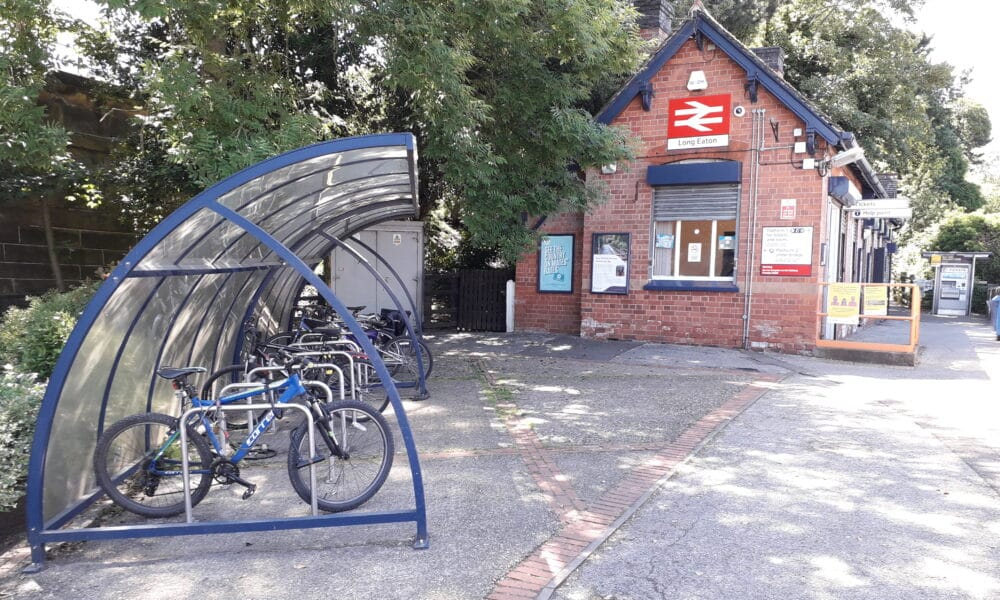 Long Eaton ticket office and cycle shelter