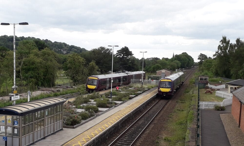 Two 170s at Duffield
