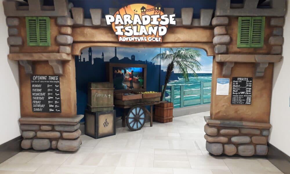 Paradise island golf entrance